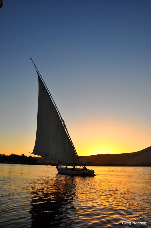 The Felucca: the motorless sailboat