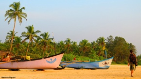 Zalor Beach boats